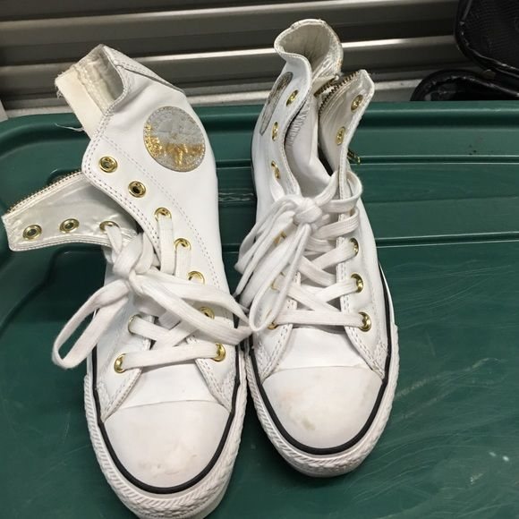 Hightop Platform Converse White With Gold Accent Platform Converse. There Are A Little Dirt Spots On The Toes That Can Easily Be Wiped Away. Converse Shoes Platforms