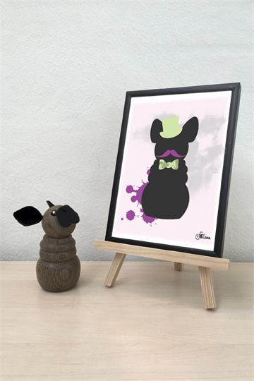 Fransk bulldog med limegrøn hat