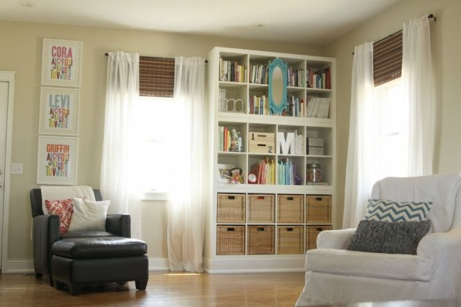 """""""built-in"""" bookshelves » The Macs: Playrooms Ideas, Playrooms Storage, Bookcases, Quilts Rooms, Living Rooms, Built In Bookca, Kids Names, Ikea Hacks, Bookca Style"""