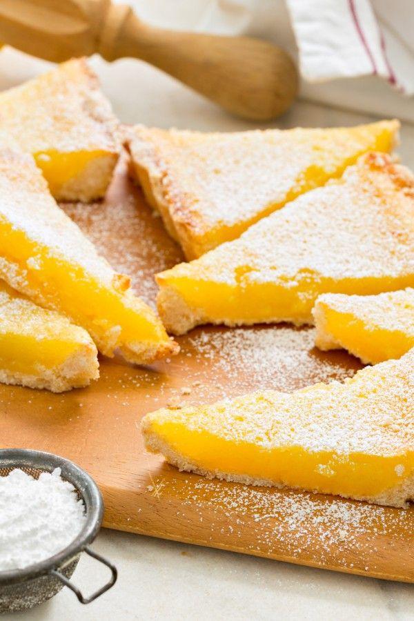 So backen Sie saftigen Low-Carb-Zitronenkuchen