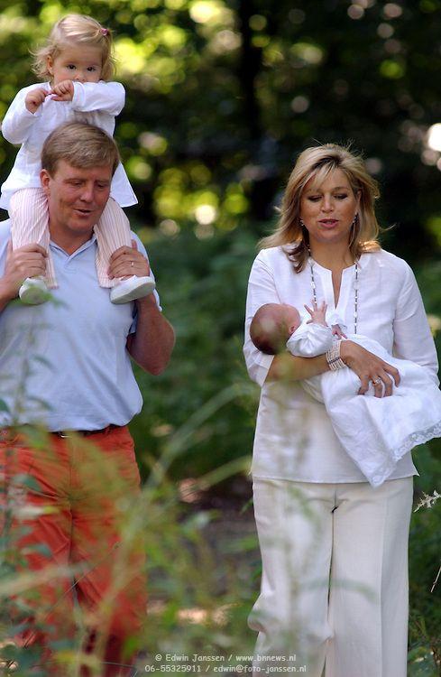 NLD/Wassenaar/20050717 - Fotosessie prins Willem - Alexander, prinses Maxima, Amalia en Alexia
