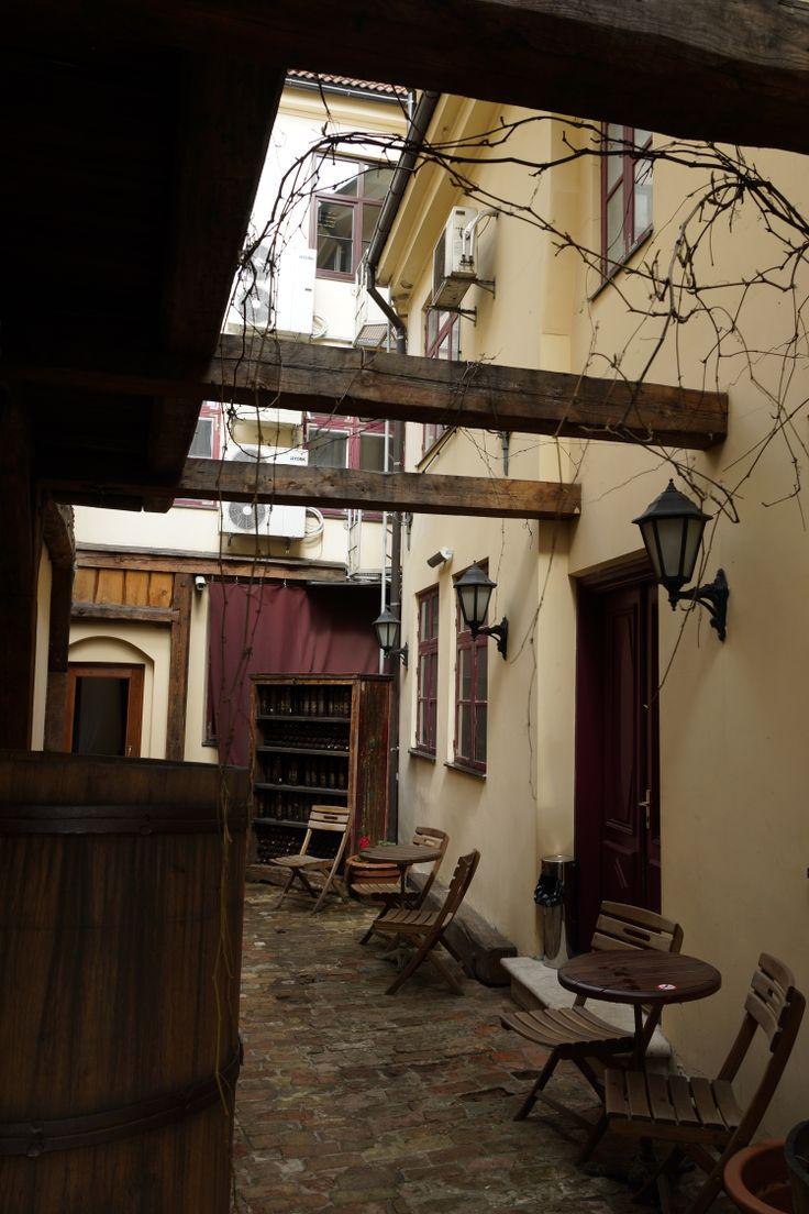 Piękny dziedziniec. Ryga, Łotwa. Fot. Jan Gołąb