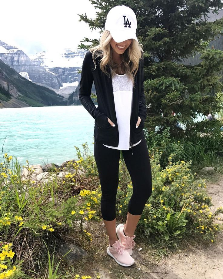 """3,410 Likes, 27 Comments - Emily Herren (@champagneandchanel) on Instagram: """"Some of my favorite athletic wear from the #Nsale  Click the link in my bio to shop!…"""""""