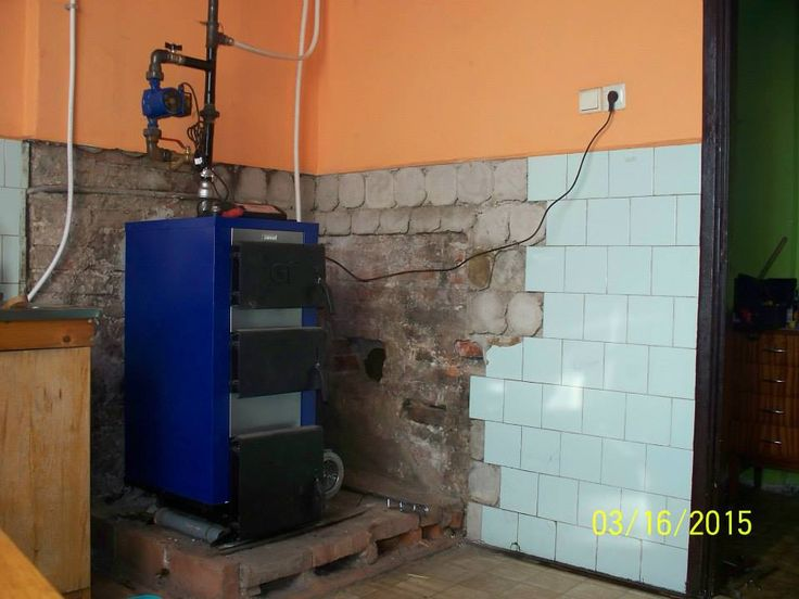 Nowy piec stanął kilka dni temu w miejscu starego kaflowego, który nie dawał ciepła na cały dom.