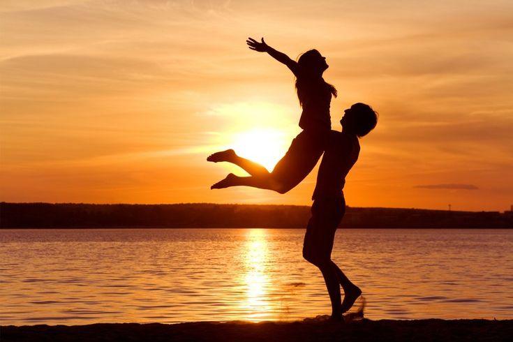 Pôr do sol sensualidade, prazer, amor, paixão, casal, sentimento, liberdade, carinho, apoio Vetor