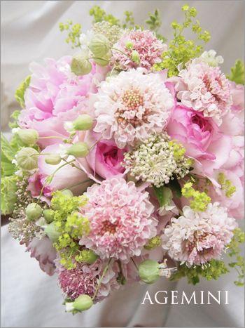 グリーンベルとスカビオサのウェディングブーケ Wedding bouquet - AGEMINI