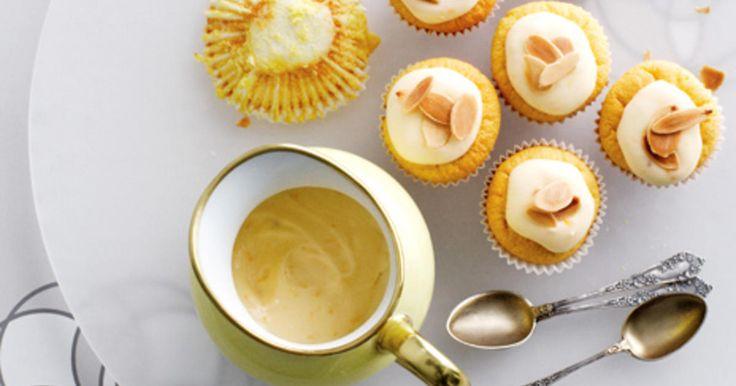 Glutenfria muffins med smak av mandel och apelsin.
