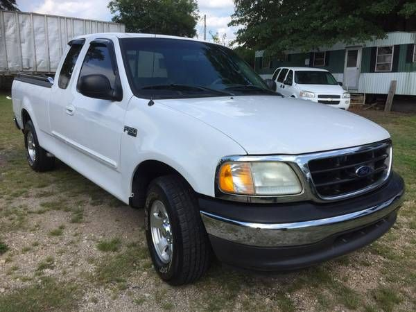 2003 FORD F150  XLT SUPERCAB  V6  SOLID AS A ROCK (EVETTES USED CARS /CARFAX IN HAND) $4995