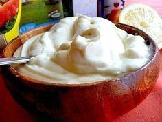 Фото к рецепту: Домашний майонез без яиц за 5 минут