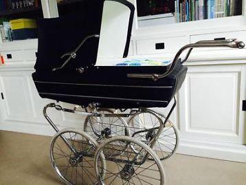 Originele ouderwetse bijna antieke Riemersma kinderwagen