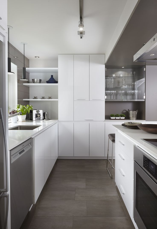 Armoires de cuisine moderne en merisier laqu deux teintes for Armoires de cuisine simard saint tite des caps