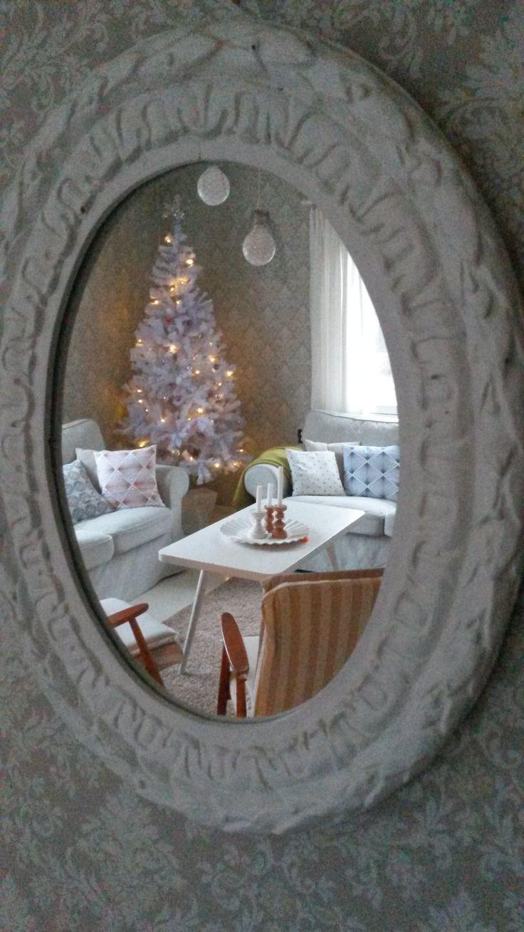 Rintamamiestalon olohuone jouluna