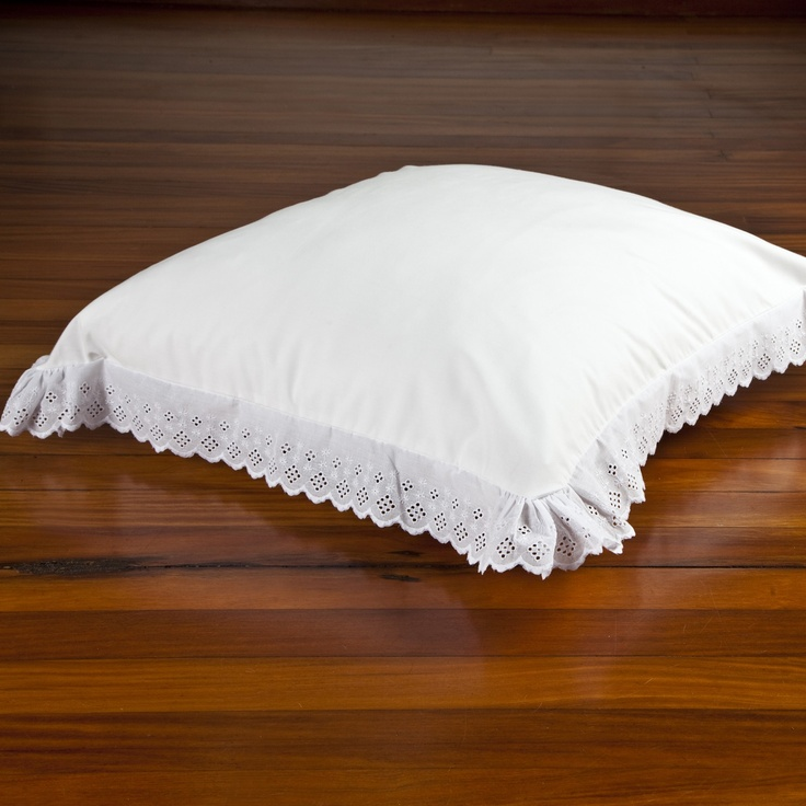 Capa de almofada bordado inglês #alfaiascasa