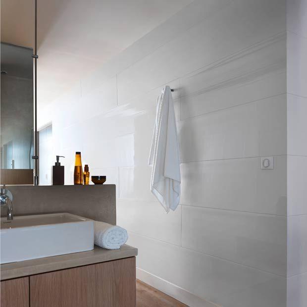 72 best Salle de bain Gris Bois Blanc images on Pinterest Bathroom - plafond salle de bain pvc