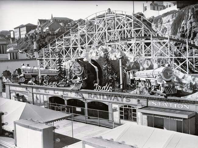Ghost Train and the Big Dipper at Luna Park in Sydney, Australia. ca. 1960's. Photo shared by the dailytelegraph.com .  v@e.