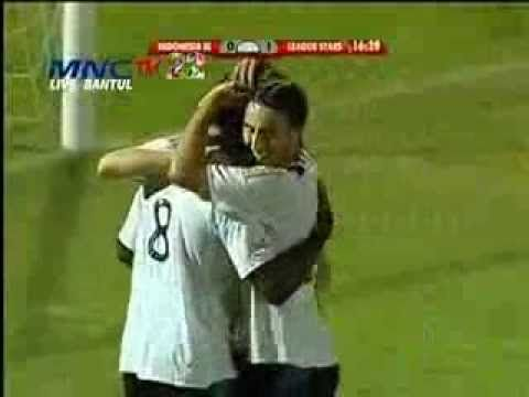 Indonesia XI vs League Stars ( 3 - 3 ) Battle Of Jebret - 20 Oktober 2013