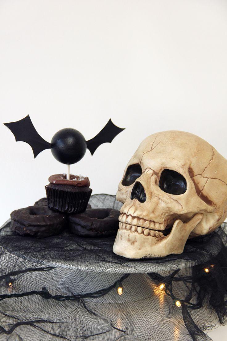 Halloween skulls decoration - Diy Bat Garland Halloween Decorationshalloween