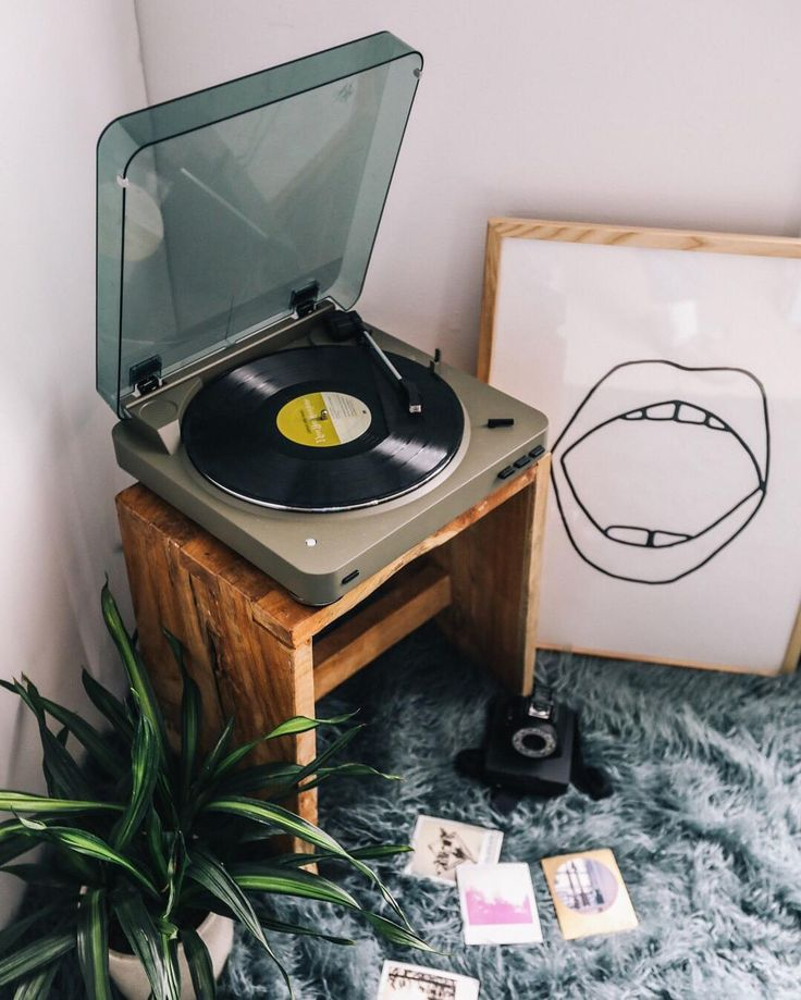 Pressing pause on everything but our favorite record players. @audiotechnicausa #UOMusic
