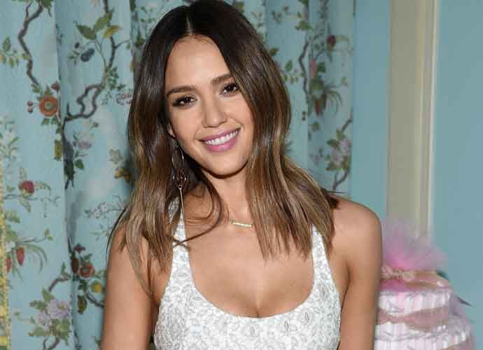 Jessica Alba Announces In Video She's Pregnant With Third Child