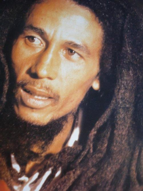 the story of bob marley women and Bob marley was born 6 february 1945 on the farm of his maternal grandfather in nine mile, saint ann parish, jamaica, to norval sinclair marley (1885–1955) and cedella booker (1926–2008) norval marley was a white jamaican originally from sussex , england, whose family claimed syrian jewish origins.
