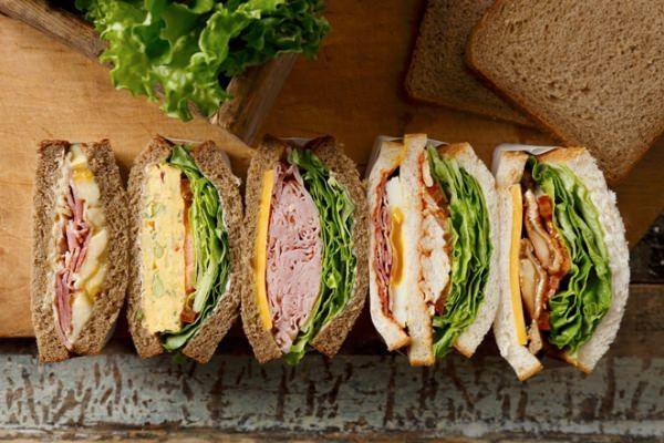 コーヒーと一緒に味わいたい、アメリカンスタイルのサンドイッチ