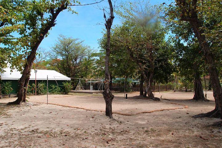 Volley-ball court at Treasure Island