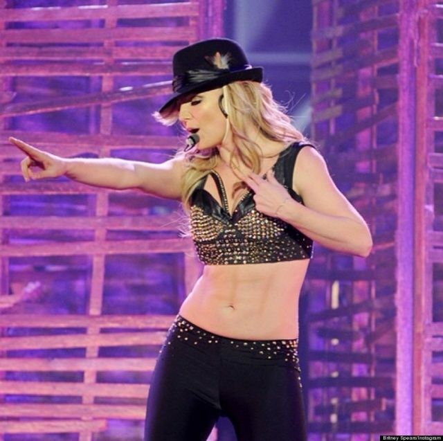 Did Britney Spears sport fake abs? | BuluBox.com