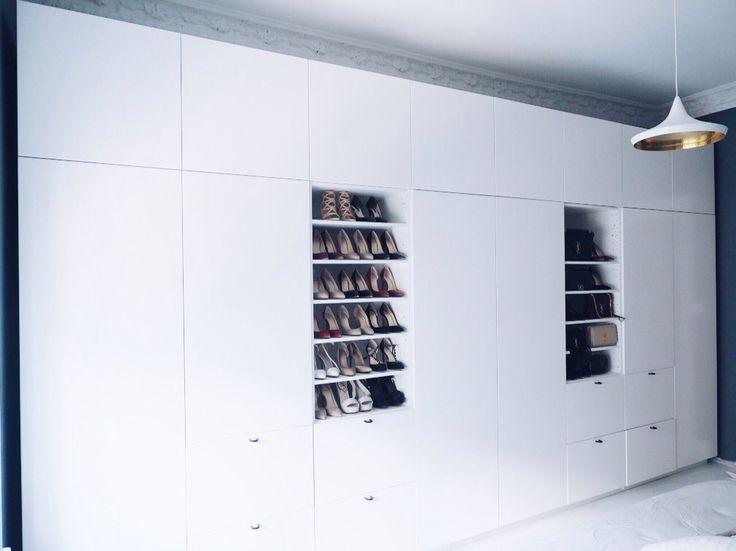 Kjøkken fra ikea brukt som klesskap – http://www.leneorvik.no/2016/05/26/wardrobe-on-a-budget/