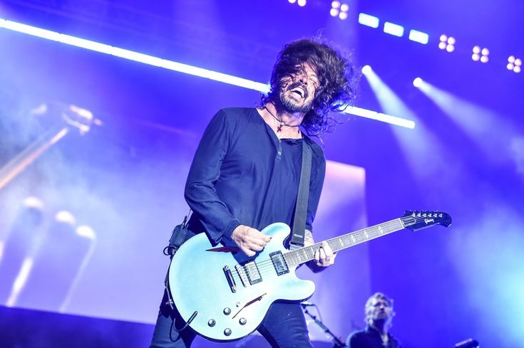 Foo Fighters записали песню для Concrete and Gold с Элисон Моссхарт - http://rockcult.ru/news/foo-fighters-work-with-alison-mosshart-on-new-album/