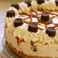 No-Bake Caramel Rolo Cheesecake! | janes patisserie