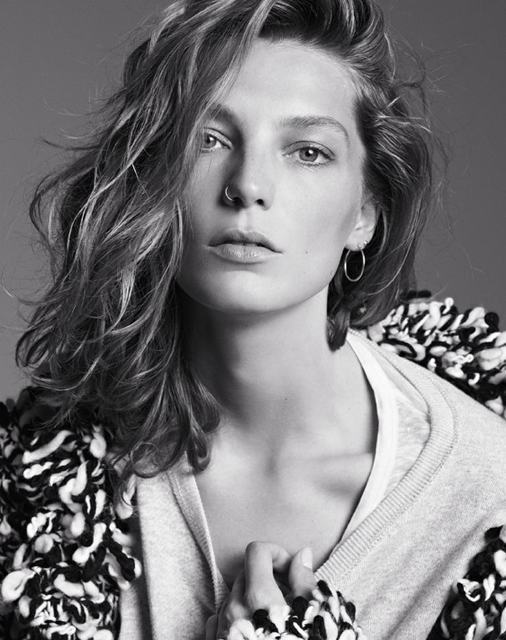 Daria Werbowy für #IsabellMarant pour H&M ...Dariawerbowi, Isabelmarant, Fashion, Nose Rings, Ads Campaigns, Hm Campaigns, Isabel Marant, Daria Werbowy, Marant For