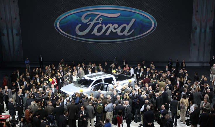 Media swarm the #Ford F-150 Atlas Concept. #naias
