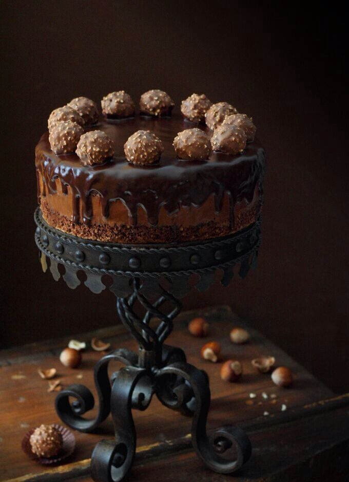 Ferrero Roche chocolate gateau.//