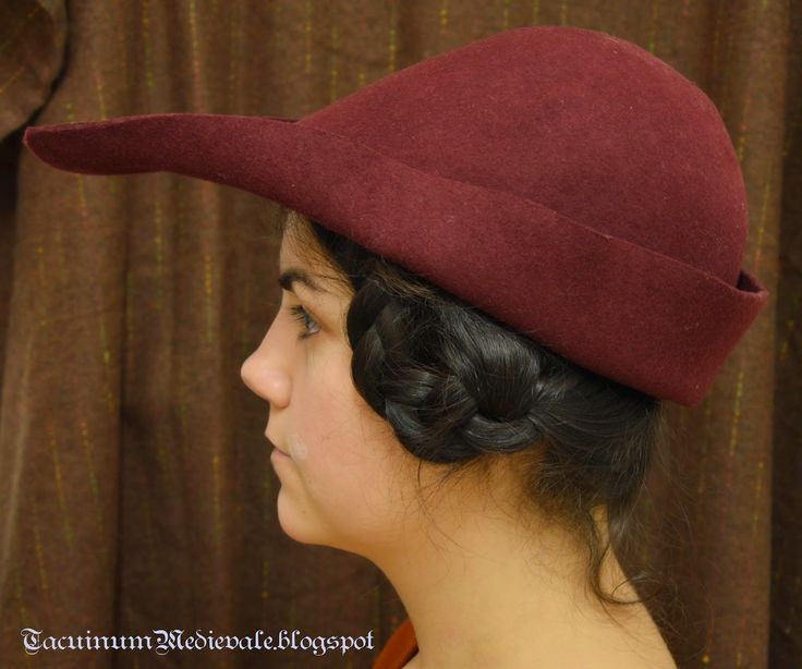 Hat and hairstyle based on 1344, Ambrogio Lorenzetti, Good government, Siena