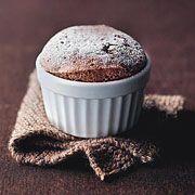 Quelle:  http://m.brigitte.de/rezepte/koch-trends/schokoladenrezepte-schokoladensouffle-571684/     Super lecker!❤️ Teig ergibt ca. 9 statt nur 6 Portionen