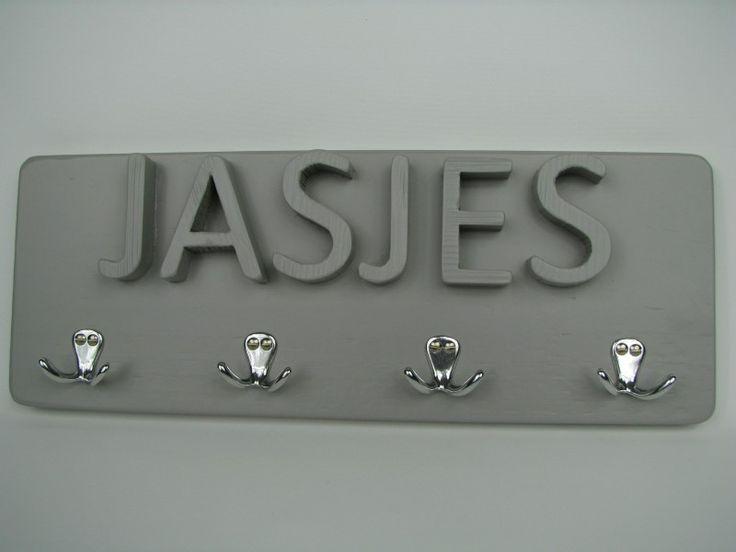 Kapstokje met tekst JASJES licht grijs
