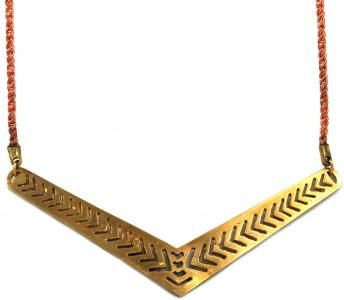 A v-shaped necklace with a hand-carved herringbone pattern which mimics the shape of the metal.: Hand Carved Herringbone, Jewelry Inspiration, Bangin Herringbone, Herringbone Pattern, Herringbone Pendant, Favorite Patterns, Gorgeous Herringbone, Handmade Jewelry