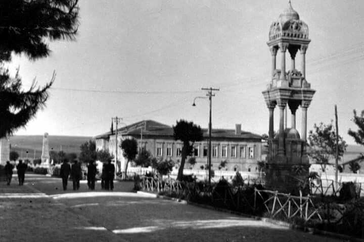 Türkiyede Mustafa Kemal Paşa adına dikilen ilk anıt... 1920'ler...