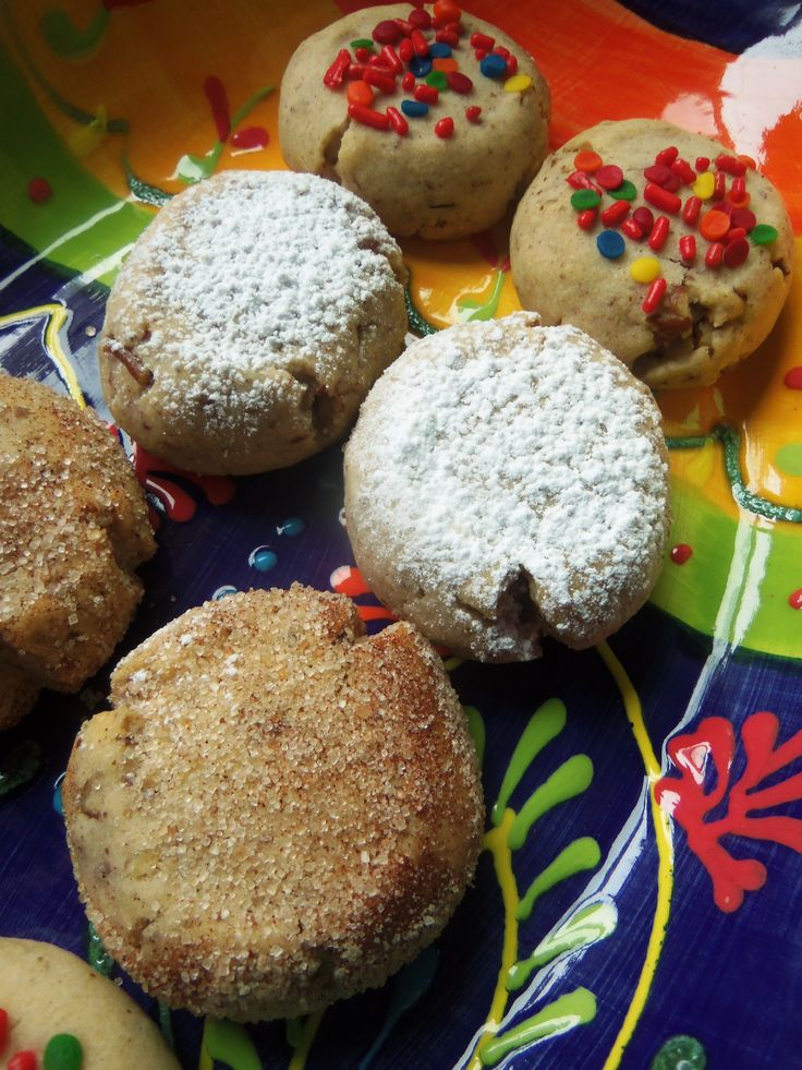 Today's blog post is dedicated to Pan Dulce, Mexican sweet breads and cookies. Trips to la panaderia (mexican bakery) were a Sunday ritual in our house.  Warm bolillos, pan de huevo, cuernitos, mar...