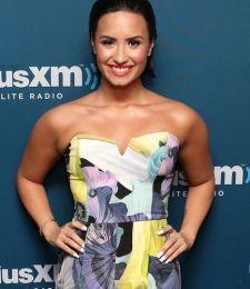 """Ouça nova prévia de """"Cool For The Summer"""", de Demi Lovato #Cantora, #Lançamento, #Música, #Novo, #NovoSingle, #Prévia, #Single, #True http://popzone.tv/ouca-nova-previa-de-cool-for-the-summer-de-demi-lovato/"""