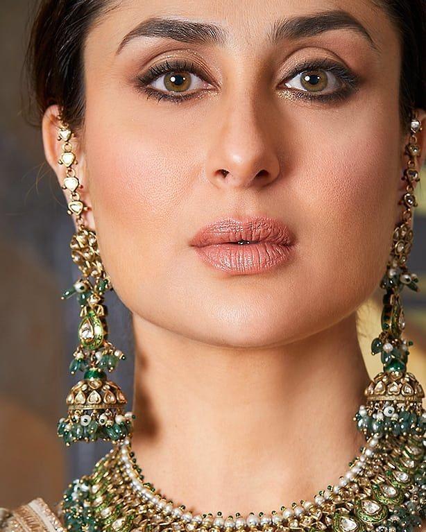 Stunning Look Follow Me Kareenakapoorloves For Daily Updates Ignore These Kareenakapoor Bridal Party Makeup Kareena Kapoor Party Makeup
