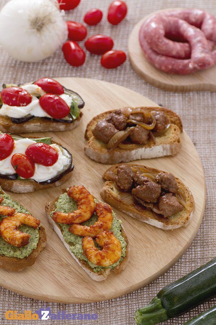Un TRIS DI BRUSCHETTE (trio of bruschetta) per un aperitivo degno di nota, colore e gusto tutto italiano! #ricetta #GialloZafferano