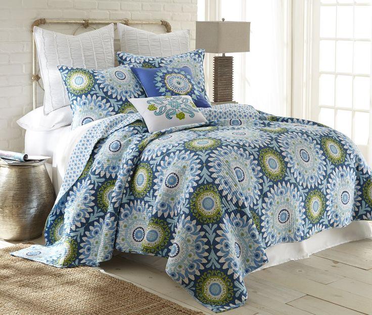 Amazon.com: Azure King Quilt Set Blue, Green Medallion: Home & Kitchen