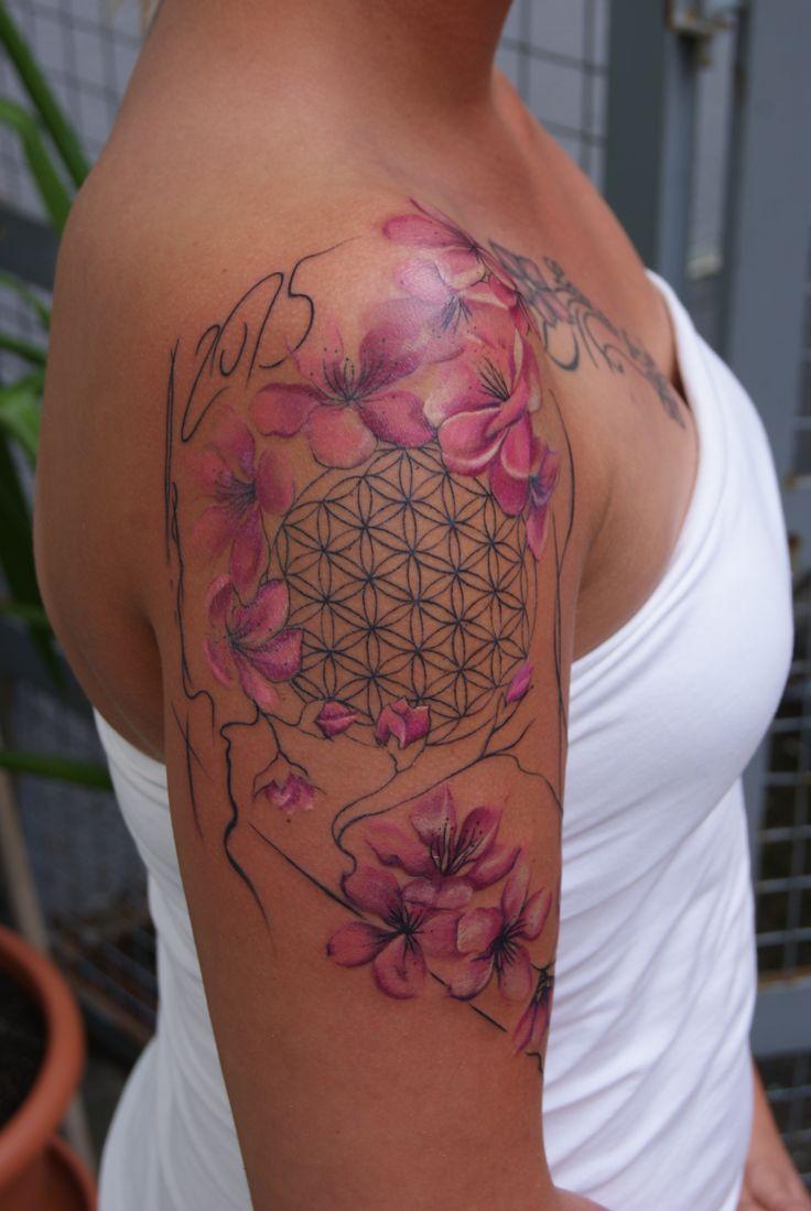 Schulter tattoos f 252 r frauen - Bildergebnis F R Tattoo Lebensblume
