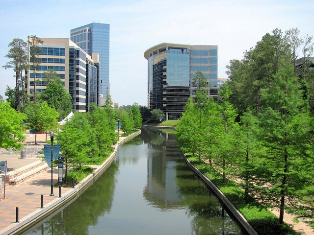 A daytime and more natural picture of the Woodlands waterway.