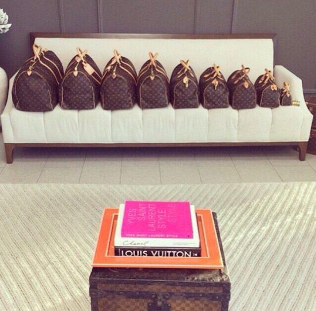 Louis Vuitton Speedys