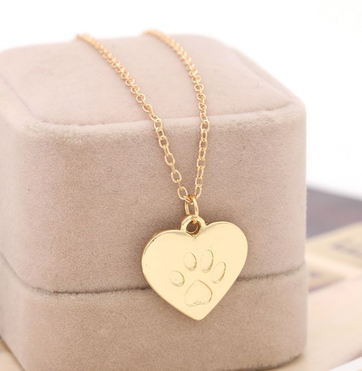Creative Love Heart Paw Cat Necklace