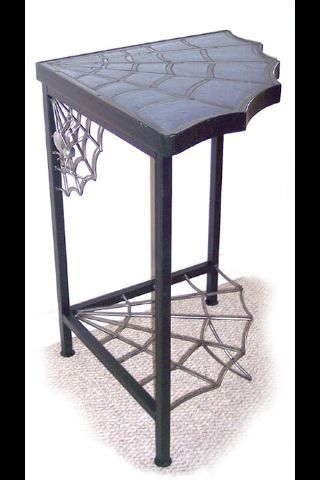 Corner webbed table