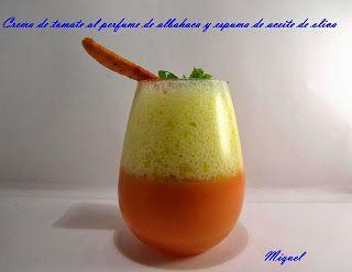 Recetas hechas con sifón: Crema de tomate al perfume de la albahaca y espuma de aceite de oliva