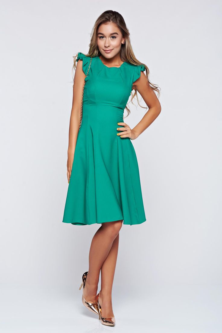 Fofy green cloche dress with ruffled sleeves, back zipper fastening, flaring cut, Ruffled sleeves, flexible thin fabric/cloth
